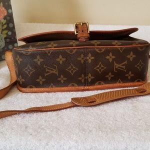 Louis Vuitton Bags - LV sologne authentic